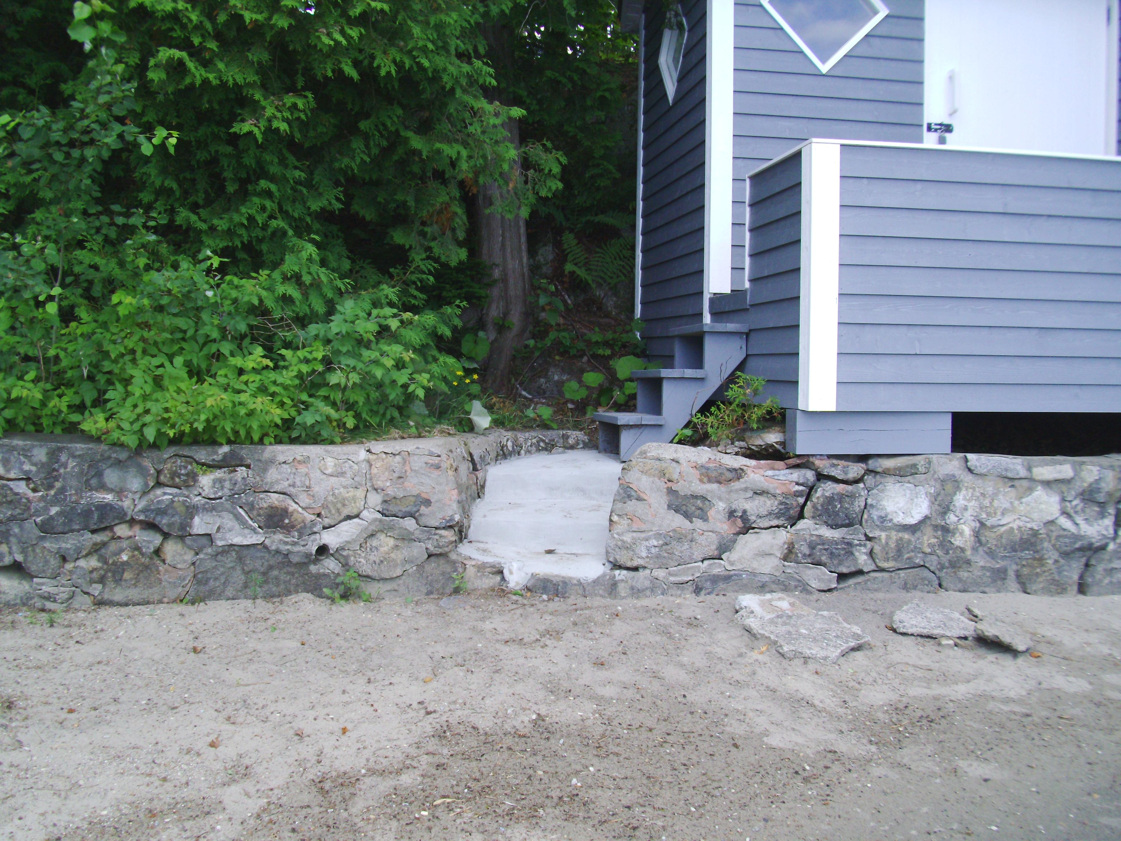 reconstruction d un mur en pierres de champs ciment turgeon pour tous vos besoins en ciment. Black Bedroom Furniture Sets. Home Design Ideas